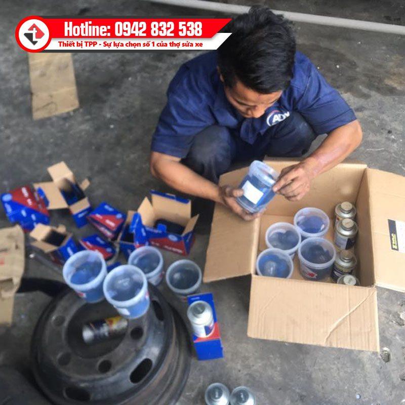 Khach Dat Hang Keo Mieng Va Lop Quik Fix Tech Tai Nha Trang