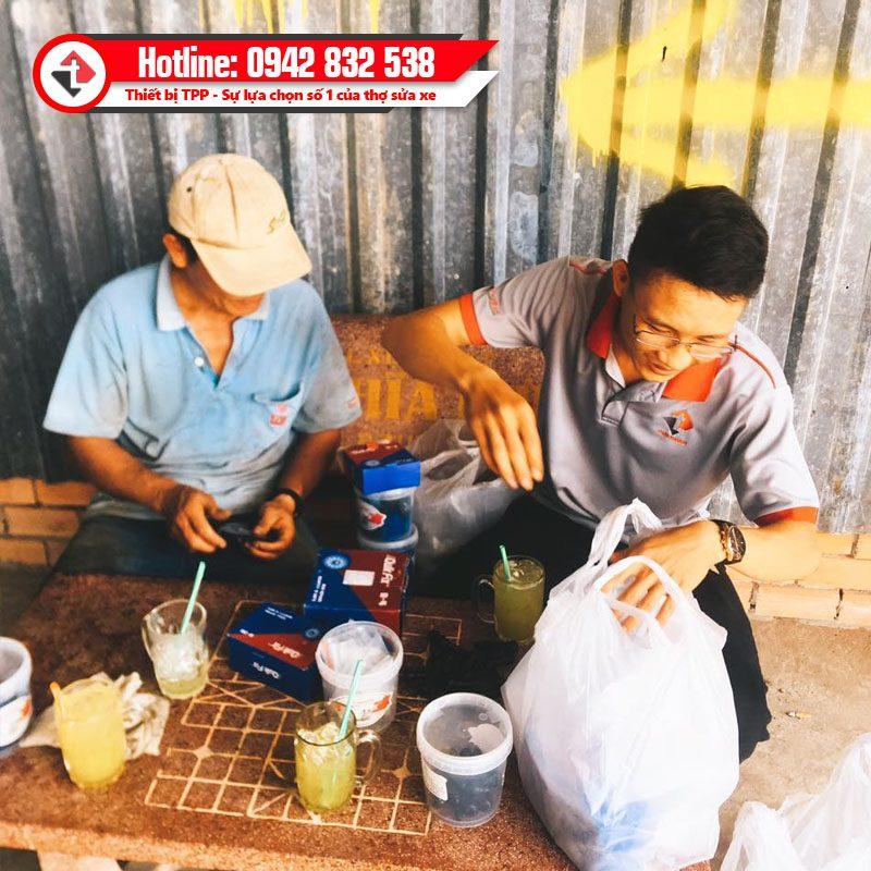 Mieng Va Lop O To B4 Size Chu Nhat Cho Khach Hang Lam Vo Lop Binh Duong Dong Nai Quik Fix Usa Tech