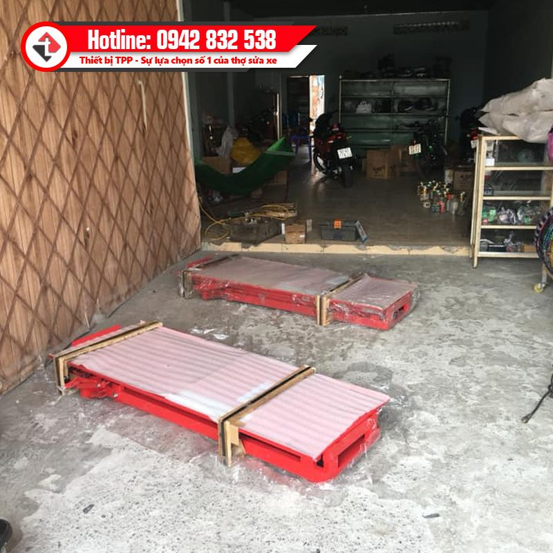 Ban Nang Sua Xe May Dap Chan Giao Khach An Giang