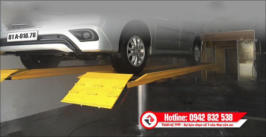 Cầu nâng 1 trụ rửa xe ô tô được lắp đặt phân phối tại Tiến Thành