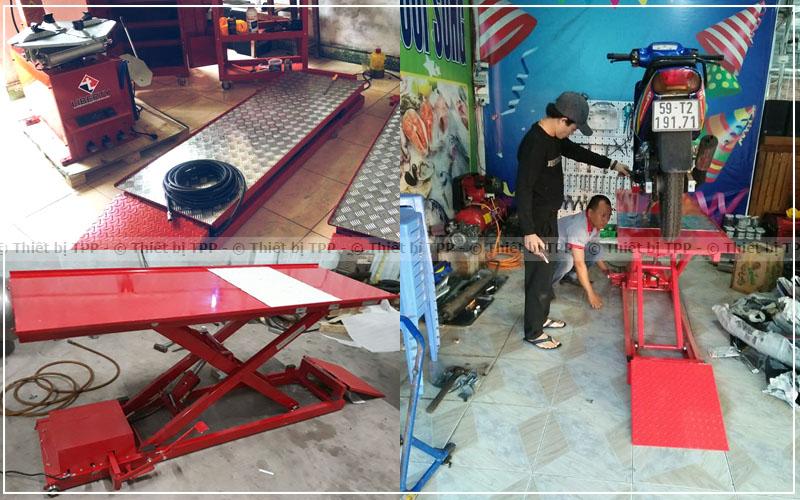 sử dụng bàn nâng sửa chữa xe máy, bàn nâng xe máy bằng điện, bàn nâng xe máy đạp chân, bàn nâng xe máy tiêu chuẩn head