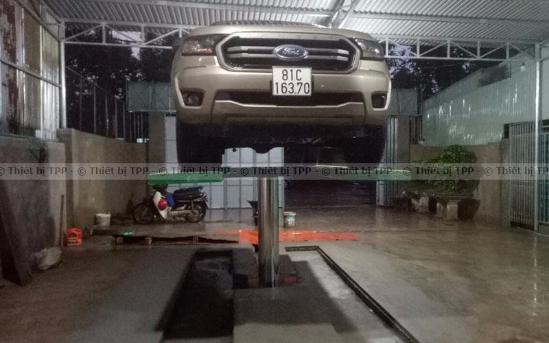 cầu nâng 1 trụ trong mở tiệm rửa xe, cầu nâng 1 trụ rửa xe ô tô, cầu nâng rửa xe ô tô, cầu nâng rửa xe ô tô giá rẻ