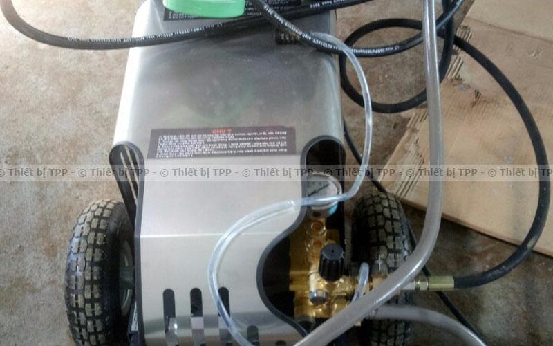 máy rửa xe cao áp trong mở tiệm rửa xe, máy rửa xe, máy rửa xe ô tô
