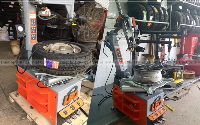 máy ra vào lốp xe ô tô, thiết bị máy tháo lốp, máy ra vào lốp ô tô