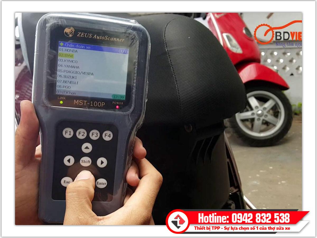 máy chuẩn đoán lỗi mst100p, máy test lỗi xe máy MST-100P