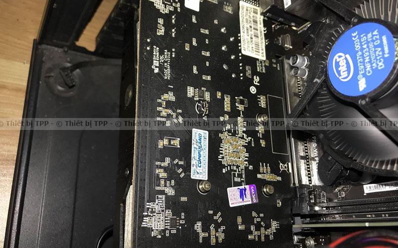Linh kiện phía bên trong máy tính, vệ sinh sạch sẽ bằng máy nén khí, những yêu cầu khi vệ sinh máy bàn