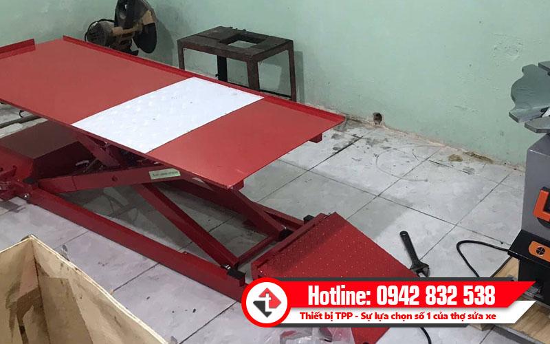 bàn nâng xe máy các loại, bàn nâng xe máy sử dụng điện và cơ, bàn nâng xe máy điện