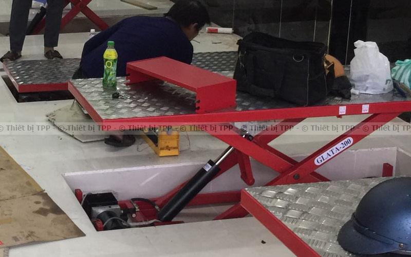 bàn nâng rửa xe máy, bàn nâng xe máy, bàn nâng sửa chữa xe máy