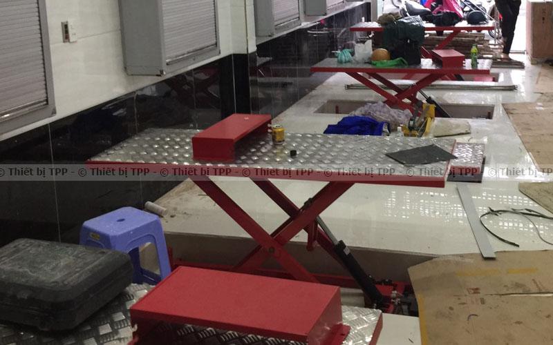 bàn nâng xe máy âm sàn, bàn nâng xe máy âm nền, bàn nâng xe máy âm