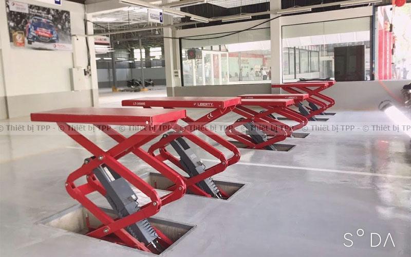 cầu nâng ô tô cắt kéo, cầu nâng ô tô cắt kéo giá rẻ, cầu nâng ô tô cắt kéo chính hãng, cầu nâng ô tô cắt kéo bao tiền