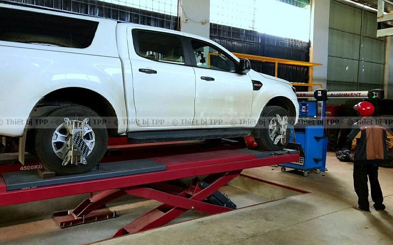 ô tô lỗi sau khi điều chỉnh góc đạt bánh xe, ô tô bị lỗi khi điều chỉnh thước lái, ô tô xảy ra lỗi khi điều chính độ chụm bánh xe, xoay vô lăng bị lệch khi điều chỉnh thước lại