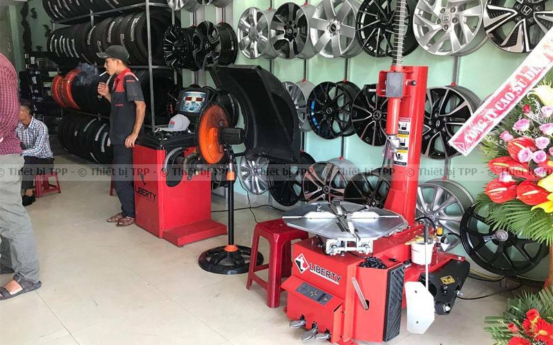 gara sửa lốp, trạm sửa lốp, nhà xưởng làm lốp, trung tâm chăm sóc lốp, gara chăm sóc lốp