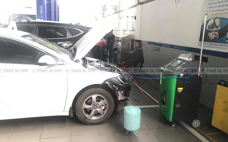 cách nạp gas điều hòa ô tô