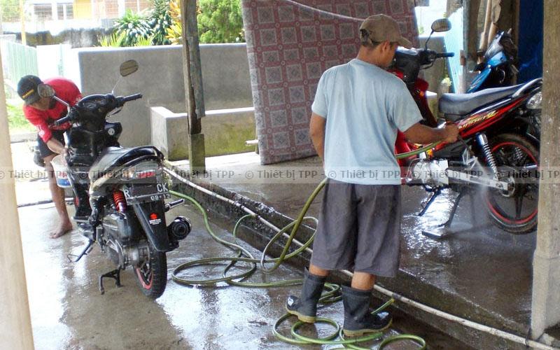 Không trang bị thiết bị rửa xe cơ bản