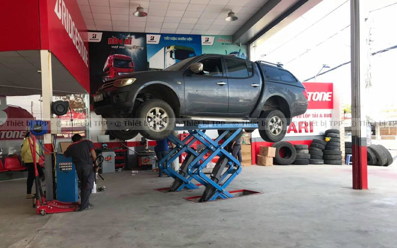 bảo dưỡng cầu nâng xe ô tô