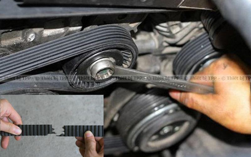 Dây đai dẫn động bơm trợ lực bị trùng, nứt hoặc hỏng